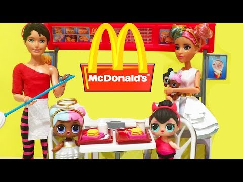 LOL Families ! The Sugar & Spice Family McDonald's Drive Thru Fail ! Toys and Dolls Kids Fun | SWTAD