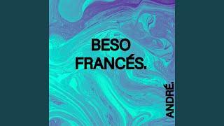 BESO FRANCÉS.