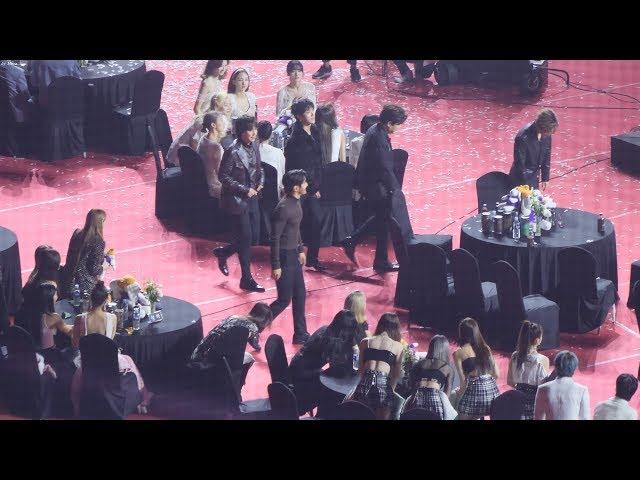 트와이스(TWICE),레드벨벳(Red Velvet),있지(ITZY ) - 방탄소년단(BTS) 음반대상수상 VCR 리액션(Reaction) [4K] 직캠 by Mera