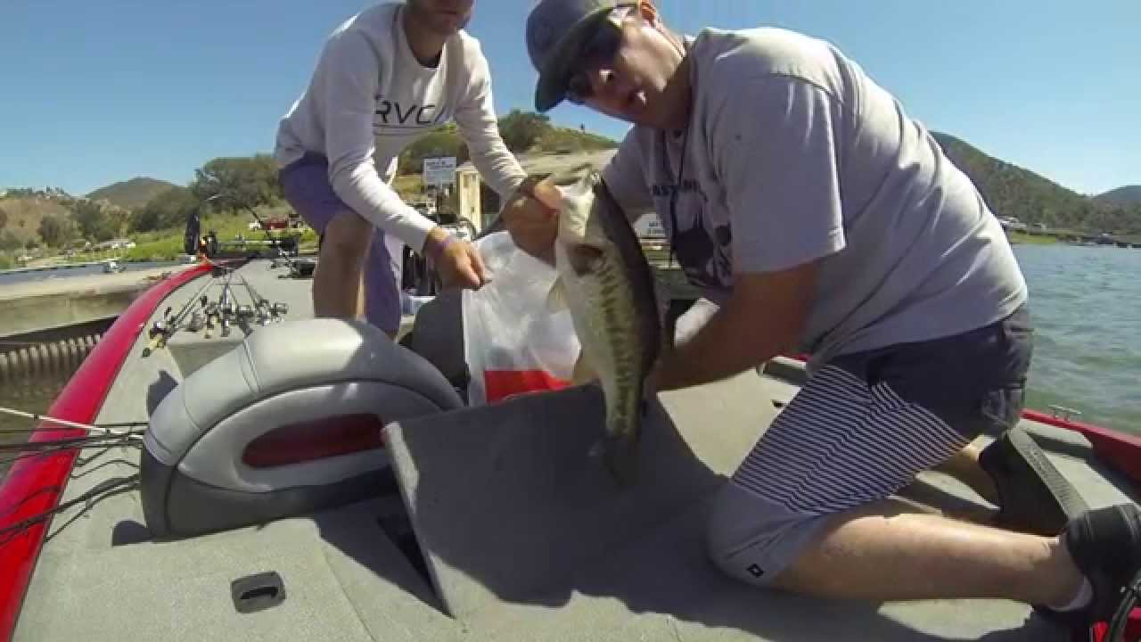 Lake hodges nbw tournament weigh in 4 11 15 youtube for Lake hodges fishing report
