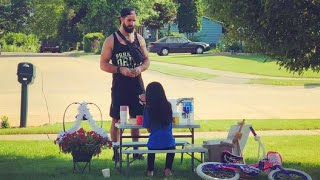Seth Rollins Buys Lemonade from a Young Girl - WWE News