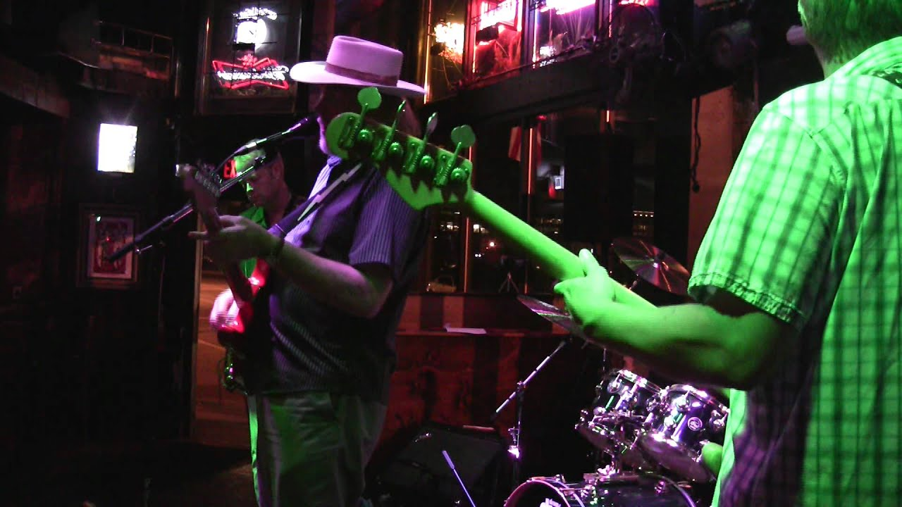 Thunder Blues Live At The Gas Lamp, Des Moines, Iowa