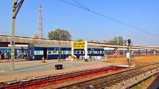 Departing Kota Junction : WDP4 Dayodaya Express overtakes WAP4 Garbha Express