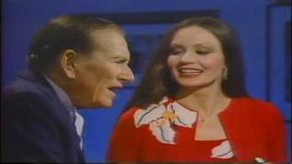 Crystal Gayle & Hoagy Carmichael-In The Cool Cool Cool Of The Evening
