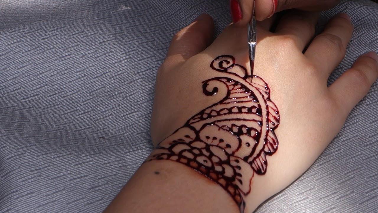 Henna Tattoo In Little India Singapore