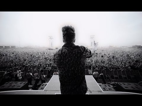 Papa Roach - Feel Like Home (Live Performance)