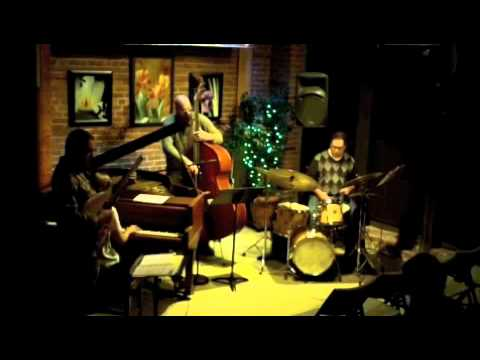 Blue In Green (miles Davis) - Dan Arcamone - The Buttonwood Tree 9.16.11
