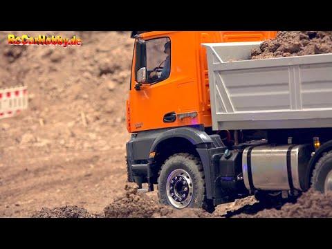 super-rc-trucks-and-construction-machines-at-fair-erfurt-2020-part-19
