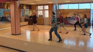Танцующие в Краснодаре: шоу на трех языках представила школа мюзикла для непрофессионалов