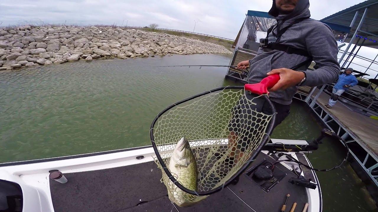 Fishing docks for big bass youtube for Lunkerstv fishing rods