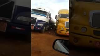 Caminhões do Uruguai vindo buscar combustível no Brasil