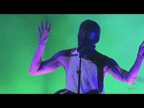 twenty one pilots: Heathens & Stressed Out (Live AMA Awards Performance 2016)