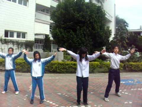 明正國小大會舞--WAKA WAKA - YouTube