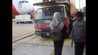 Video Boarding an AirAsia flight at at Kota Kinabalu, Borneo Island download MP3, 3GP, MP4, WEBM, AVI, FLV Juni 2018