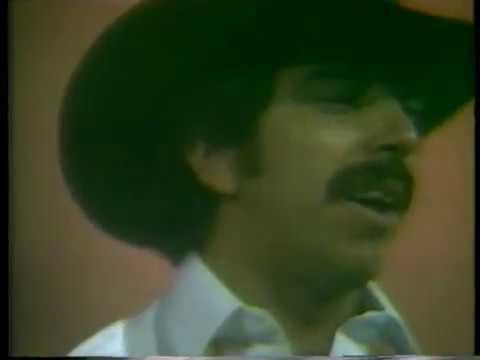 LOS LEONES DEL NORTE   (1986), en EL SHOW DE JOHNNY CANALES..