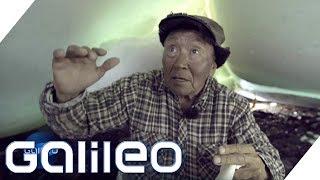 Fürs Überleben: Die lebensgefährliche Suche der Inuit nach Muscheln | Galileo | ProSieben