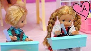 escuelita de barbie con chicas superpoderosas muecas y juguetes con andre para nias y nios