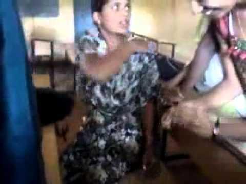 Indian college girl dance practice sessionKaynak: YouTube · Süre: 53 saniye