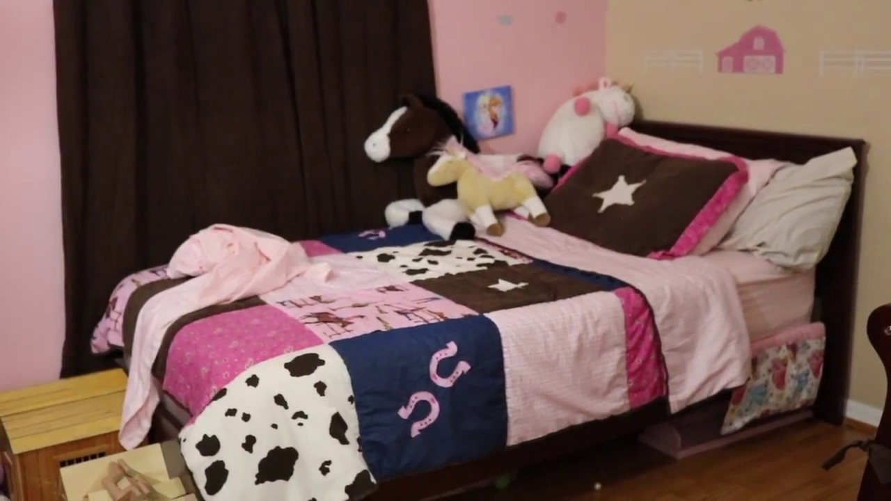 Toddleru0027s Cowgirl Bedroom Tour Featuring MUSE Mattress!