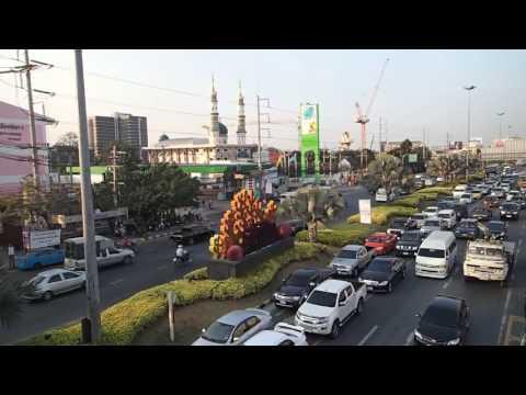 Сукхумвит роуд Паттайя Пешеходный переход  Самая длинная улица в мире