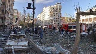 تركيا : مقتل 8 أشخاص على الأقل وإصابة 100 آخرين في إنفجار عربة مفخخة وسط مدينة ديار بكر - world