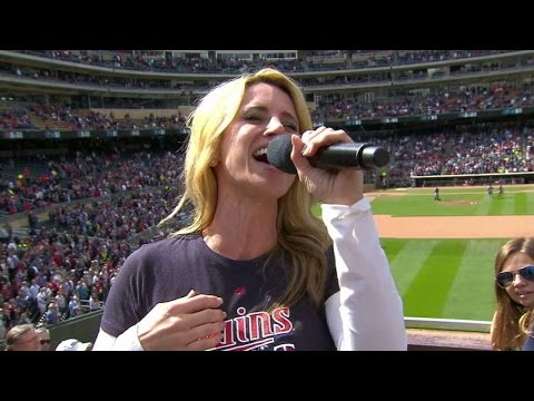 DET@MIN: God Bless America plays at Target Field