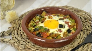 Huevos al plato con jamón y verduras. ¡Fáciles y deliciosos!