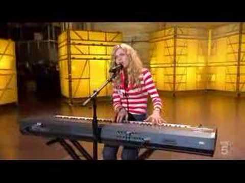 Brooke White (American Idol Season 7 Episode 9)