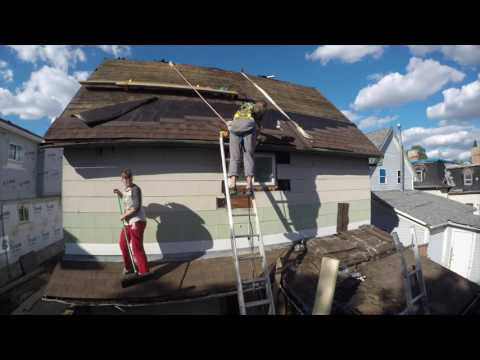 Working On A Steep Pitch Roof Doovi