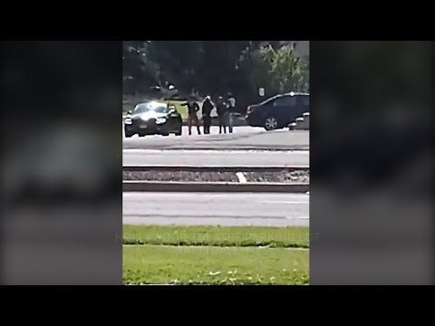 Bystander records gunshots in broad daylight, nearly takes a bullet