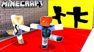 CZY ZMIEŚCIMY SIĘ W TEJ DZIURZE! (Minecraft Hole In The Wall)   VITO vs BELLA