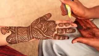 Как делать тату хной? Мехенди мастер из Индии