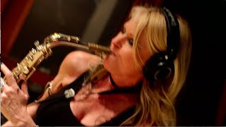 "Mindi Abair and The Boneshakers ""Pretty Good For A Girl"" featuring Joe Bonamassa - The Making Of"