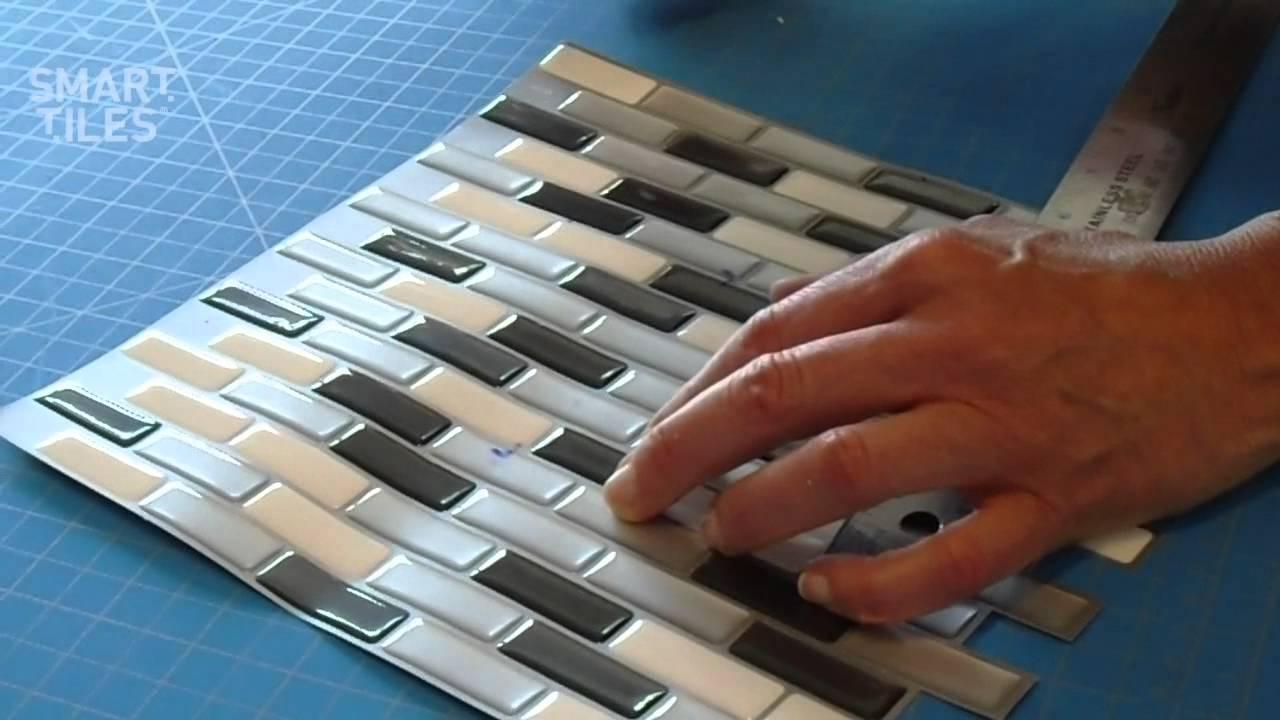 carrelage mural adhesif smart tiles installation du modele imbrique murano metallik