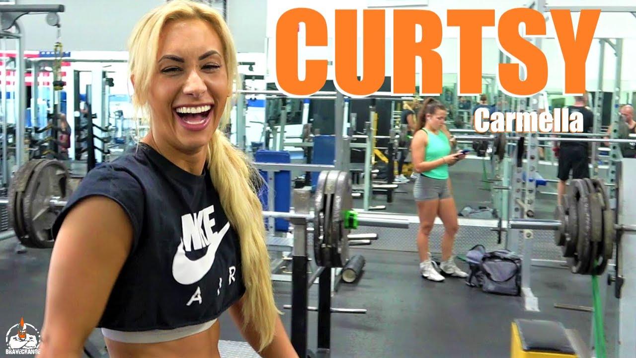 Carmella Curtsy Lunge (DUMBBELL!)