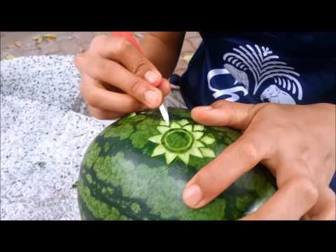 งานแกะสลักผลไม้ by คิตตี้สีชมพู