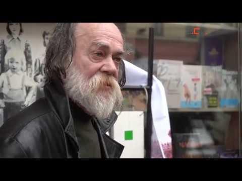 Інформаційне Агентство АСС: У Чернівцях з`явився пам`ятник Зеленському