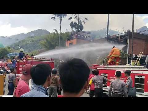 Kebakaran bahari cafe Lombok