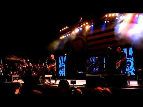 Rise Against, Wait For Me LIVE @Riot Fest 2012, Chicago's Humboldt Park
