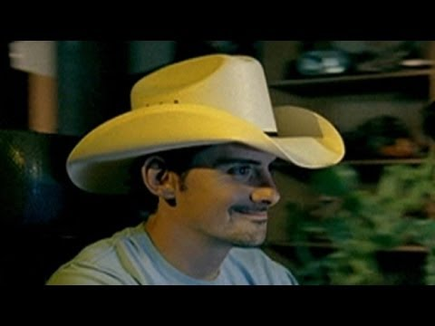 Brad Paisley, Kimberly WilliamsPaisley, Others Hit With Cruel Hoax