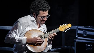 Hamilton de Holanda, amazing solo by one of the best bandolim players in the world