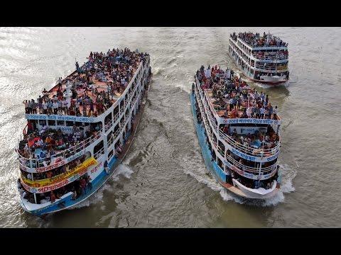 সুন্দরবন ১২ লঞ্চের সাথে গ্রীনলাইন লঞ্চের সেইরাম প্রতিযোগীতা !! Sundarban 12, MV Green Line launch