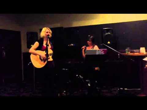 Witter Van Ell live cover - Through The Radio
