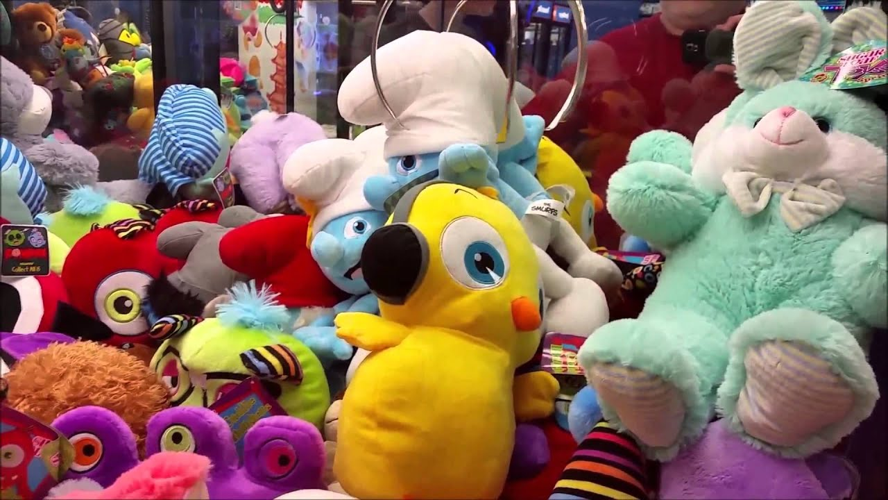 My Best Claw Machine Win Ever. Insane Smurf Wins at the $1 ...