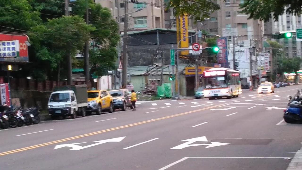 臺北客運795路線KKA-2596交會指南客運530路線370-U3 - YouTube