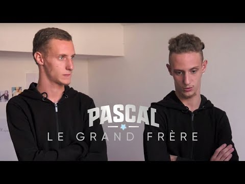 PASCAL LE GRAND FRÈRE - Les jumeaux et l'hygiène
