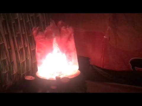 make a REALISTIC fake fire with (plastic bag, fan, christmas lights, rotary light)