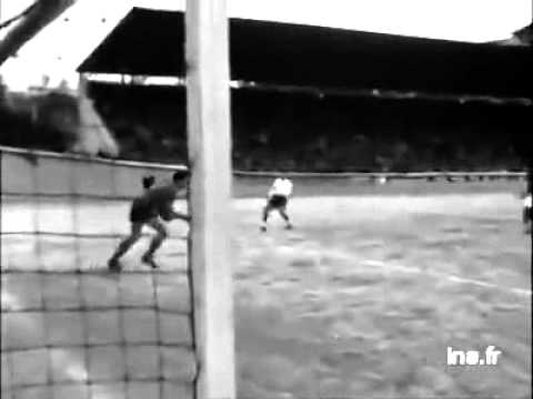 match de foot maroc vs algerie 1950 youtube. Black Bedroom Furniture Sets. Home Design Ideas