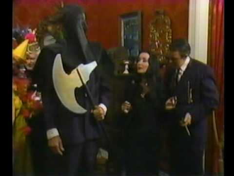 Halloween with the New Addams Family (1977) - Part 5. - YouTube