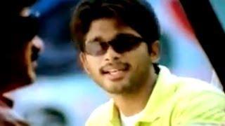 Bunny Movie || Allu Arjun Making Fun Of Raghu Babu Hilarious Comedy